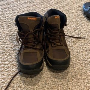 Never worn!! Northside hiking boots size 6